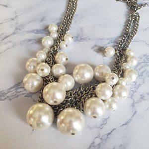 Bold Chunky Faux Pearl Necklace